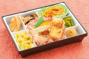 チキンステーキ粒マスタードソース