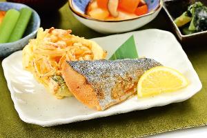 海老とチンゲン菜の塩炒め