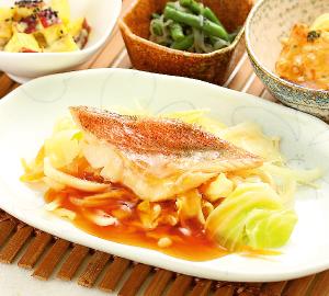 豆腐と茄子の胡麻そぼろ煮
