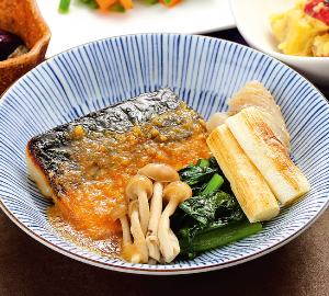 温玉のせ牛すき煮鍋